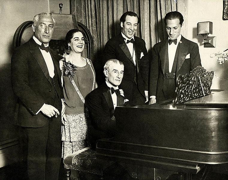 Con Ravel en 1928. Foto de Leide-Tedesco.