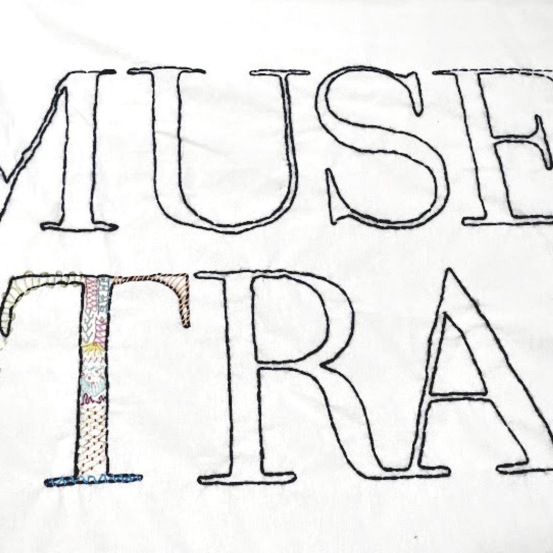 Museo del traje de Madrid instalación textil